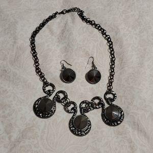 Jewelry - Black premier necklace & earrings